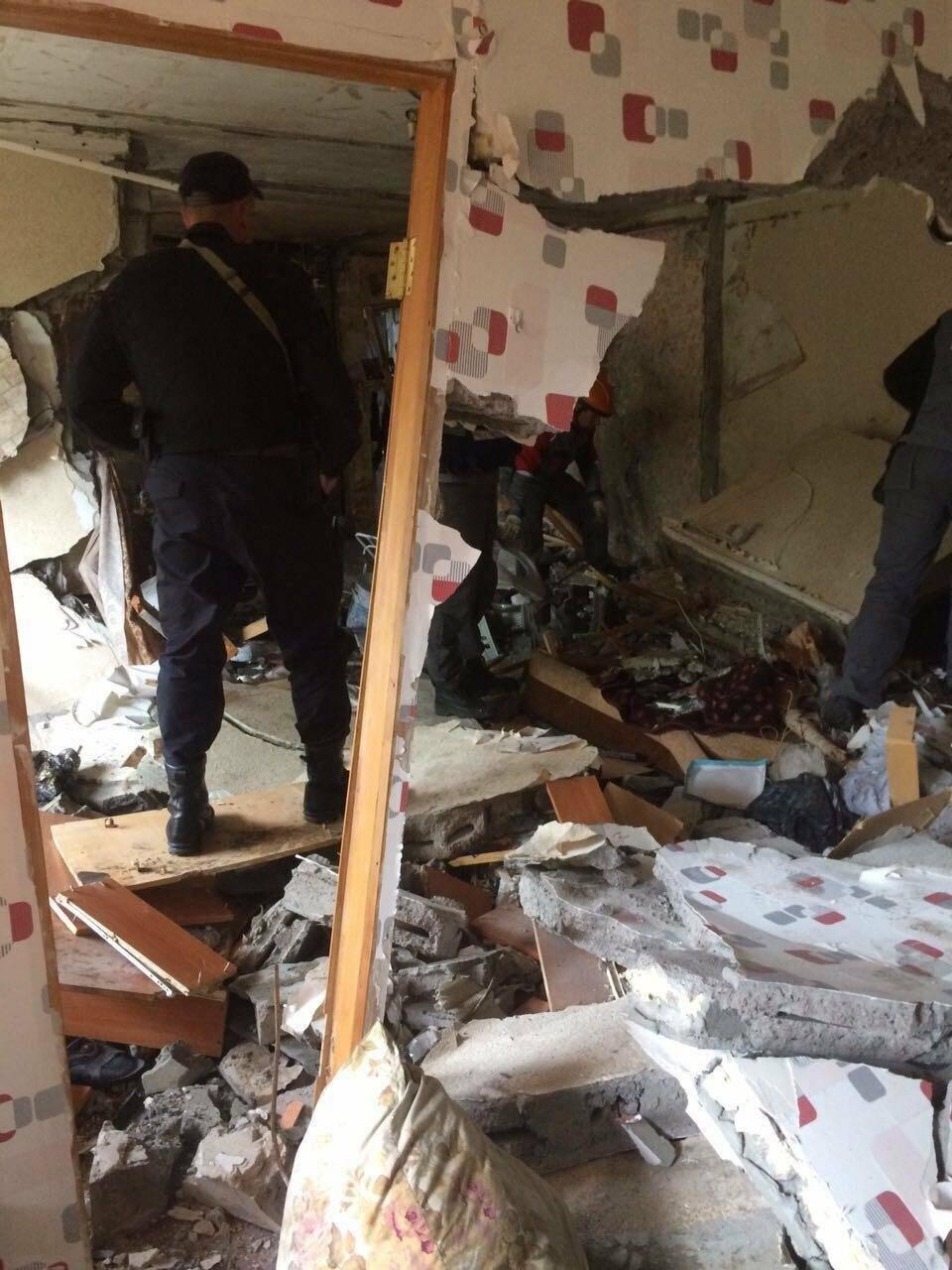 Выбиты окна и двери – взрыв прогремел в квартире на Арсеньева в Петропавловске, фото-2