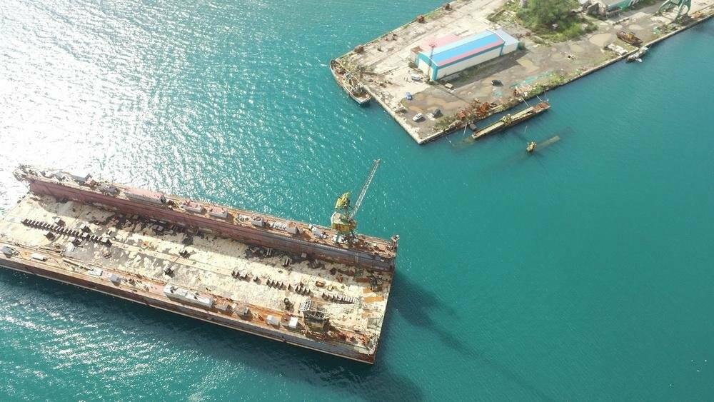 Безопасности судов в бухте Раковая угрожает плавучий док, фото-4