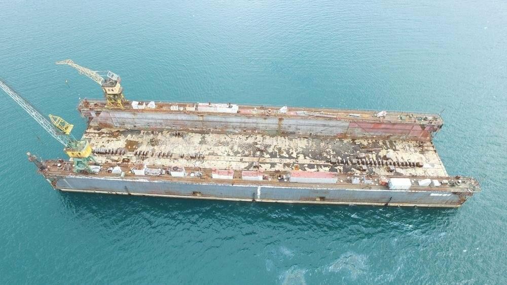 Безопасности судов в бухте Раковая угрожает плавучий док, фото-3
