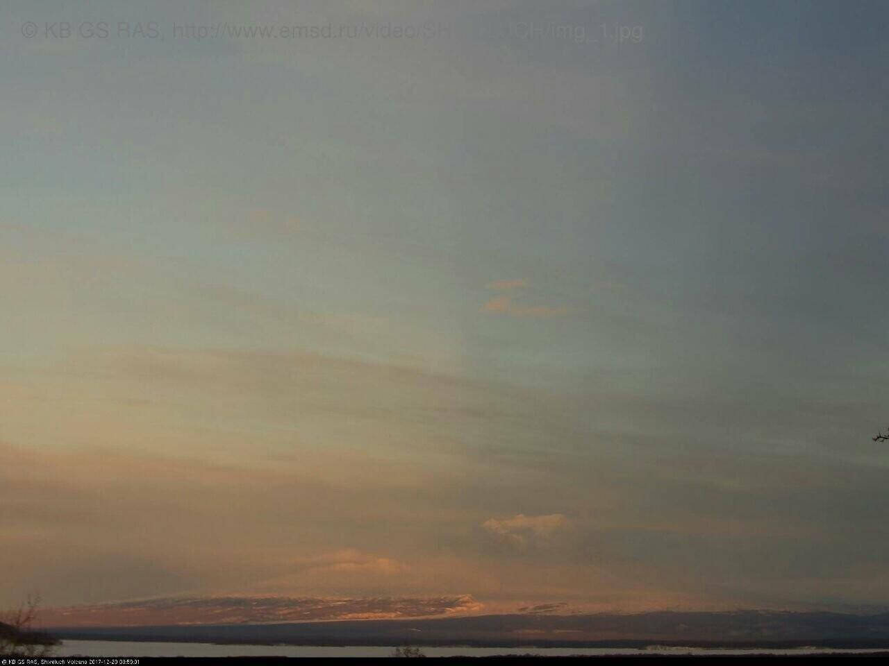 На Камчатке Безымянный «выстрелил» пеплом на 15 км, фото-4