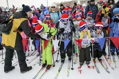 На Камчатке более 5000 участников вышли на старт «Лыжни России», фото-1