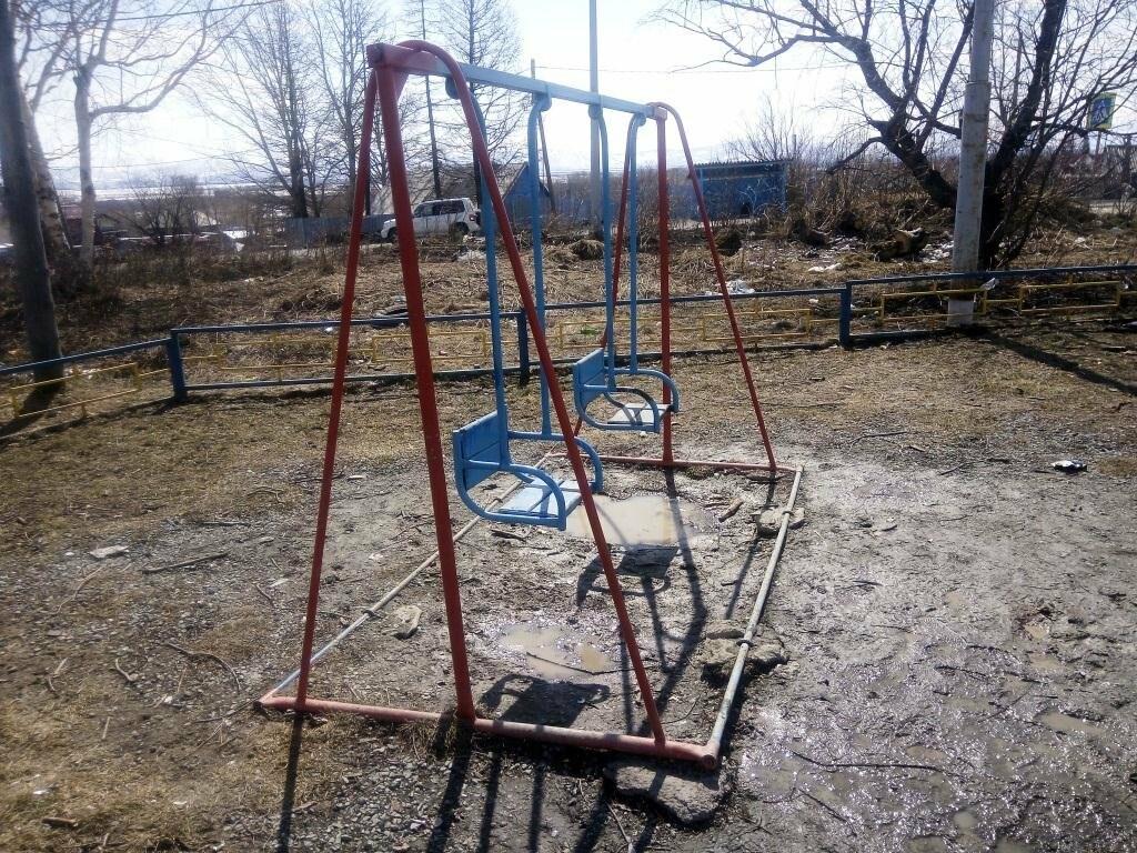 Прокуратура взялась за елизовские детские площадки, фото-4