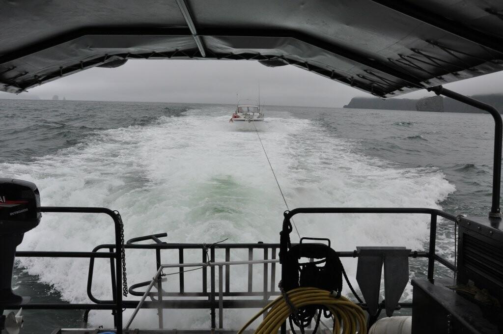 Катер попал в беду у берегов Камчатки, фото-3