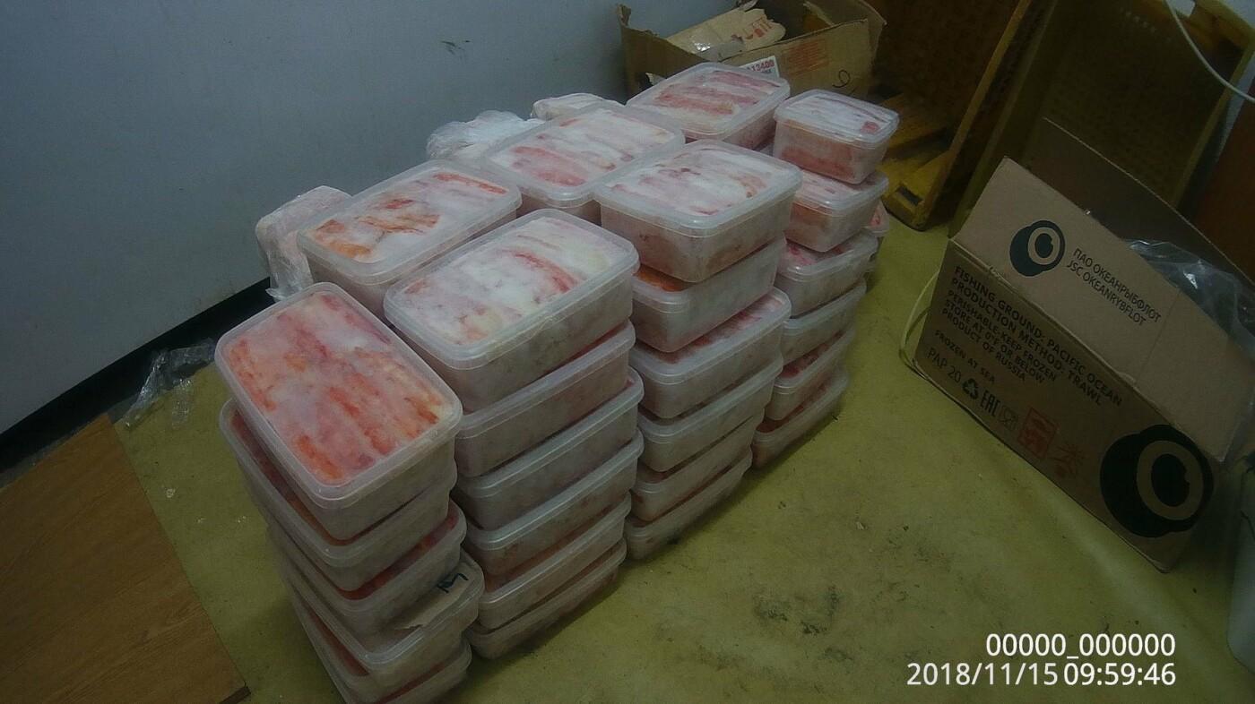 В Петропавловске в гаражном кооперативе нашли подпольный крабовый цех, фото-6