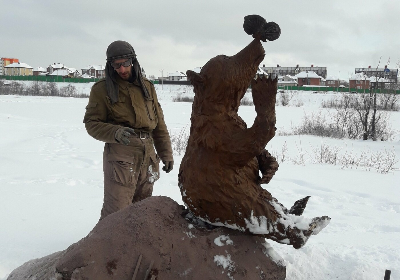 Косолапый арт-объект появился на Медвежке, фото-3