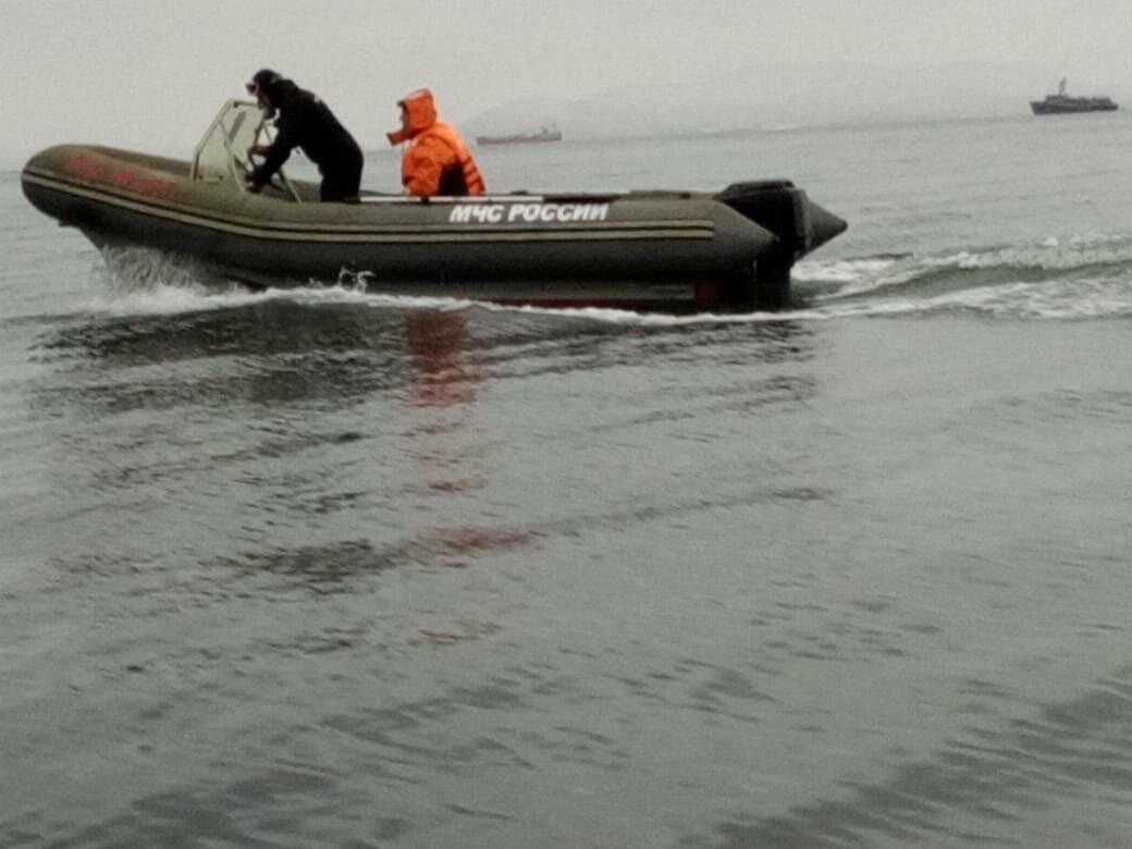Пять человек эвакуировали спасатели с побережья бухты Шлюпочная , фото-1