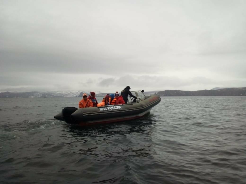 Пять человек эвакуировали спасатели с побережья бухты Шлюпочная , фото-12
