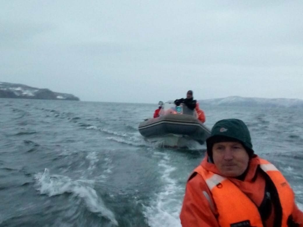 Пять человек эвакуировали спасатели с побережья бухты Шлюпочная , фото-13