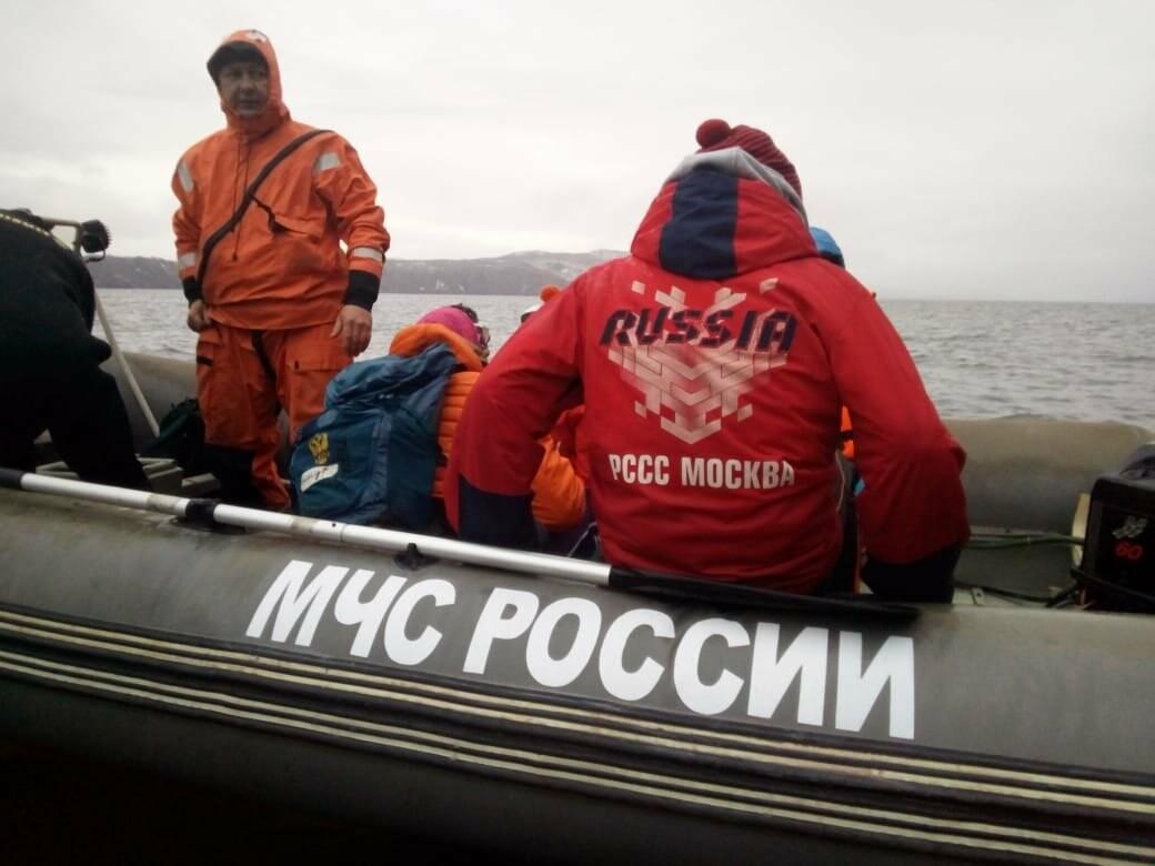 Пять человек эвакуировали спасатели с побережья бухты Шлюпочная , фото-16