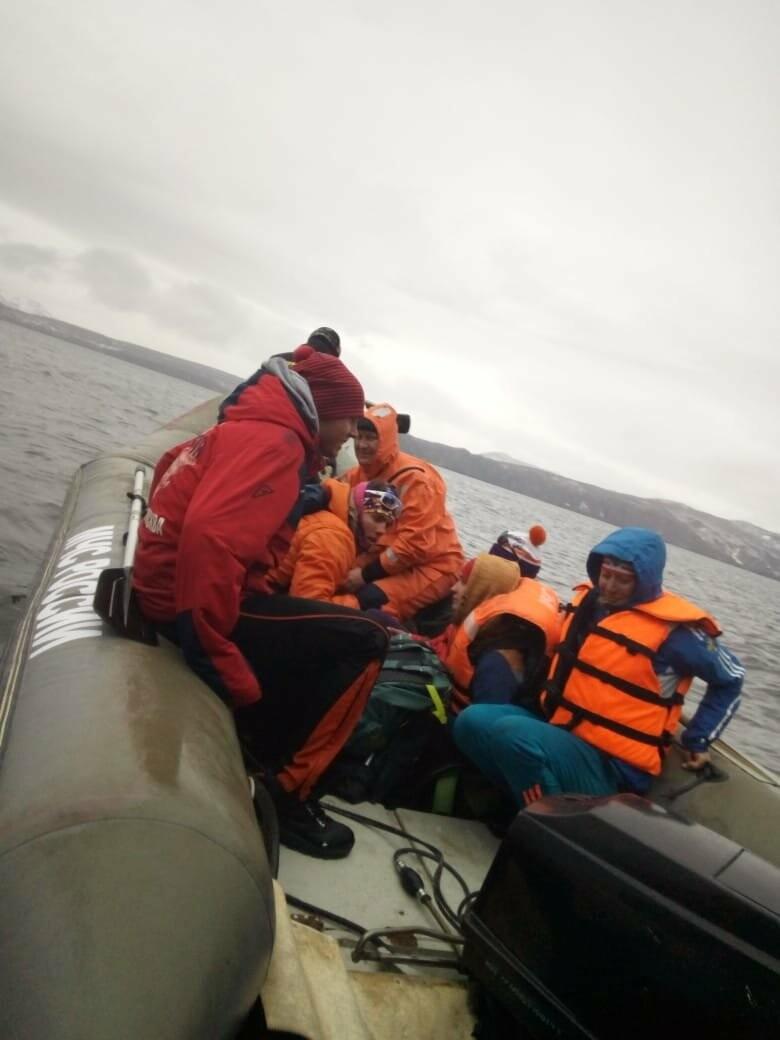 Пять человек эвакуировали спасатели с побережья бухты Шлюпочная , фото-5