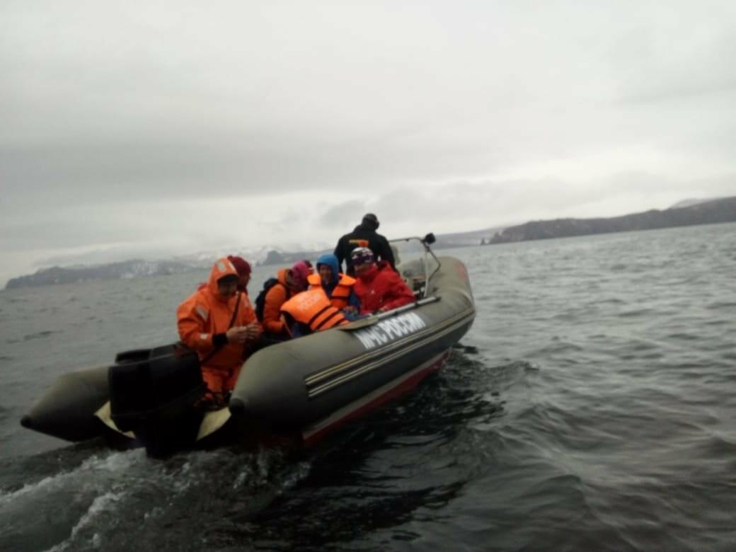 Пять человек эвакуировали спасатели с побережья бухты Шлюпочная , фото-8