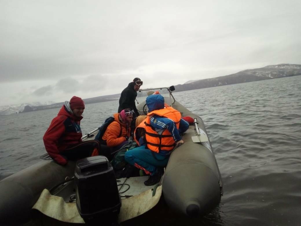 Пять человек эвакуировали спасатели с побережья бухты Шлюпочная , фото-11