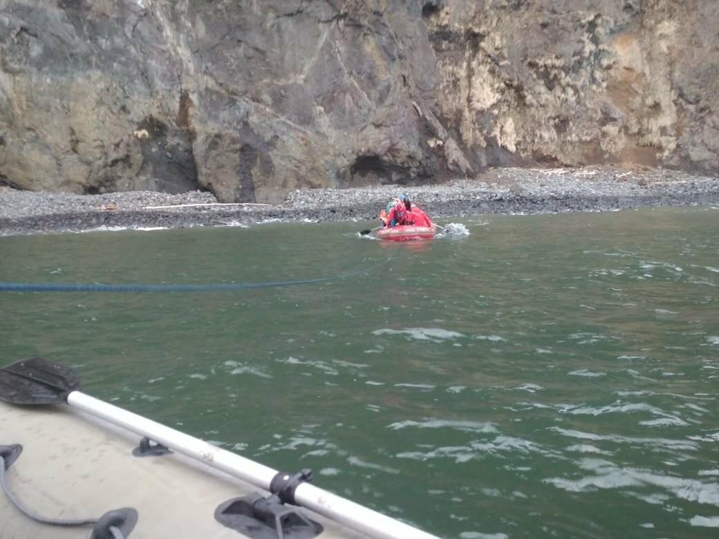 Пять человек эвакуировали спасатели с побережья бухты Шлюпочная , фото-3