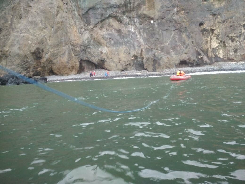 Пять человек эвакуировали спасатели с побережья бухты Шлюпочная , фото-9