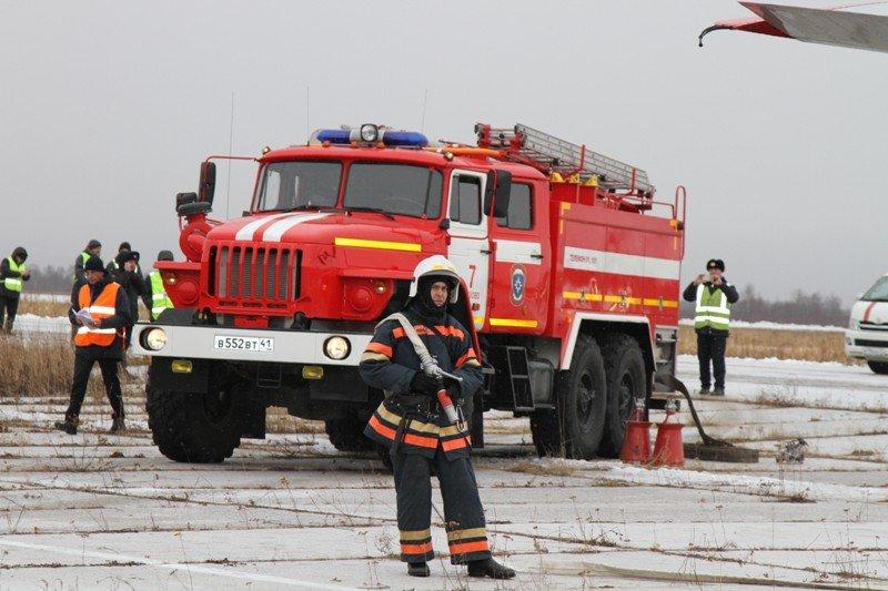 Камчатские спасатели тушили Як-40 в елизовском аэропорту - учения, фото-4