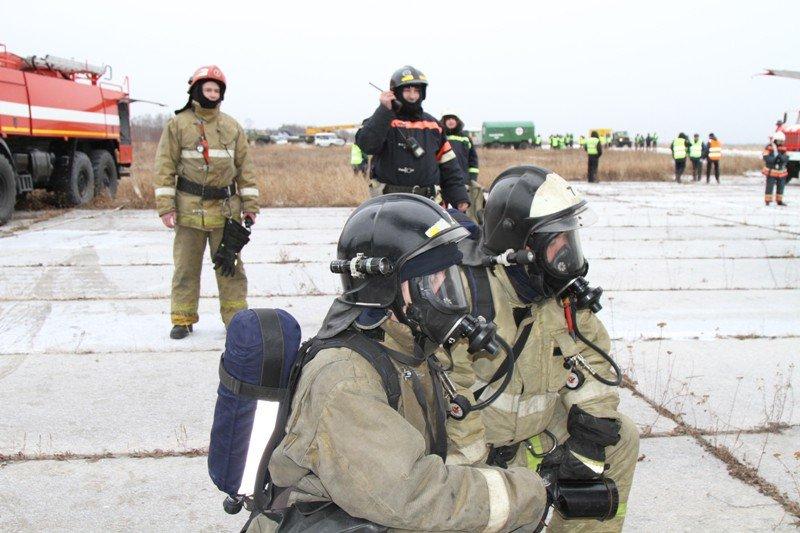 Камчатские спасатели тушили Як-40 в елизовском аэропорту - учения, фото-5
