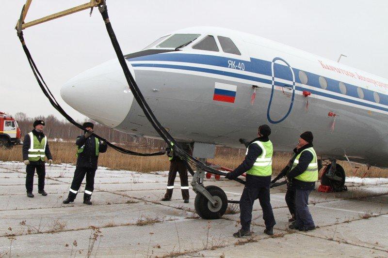 Камчатские спасатели тушили Як-40 в елизовском аэропорту - учения, фото-10